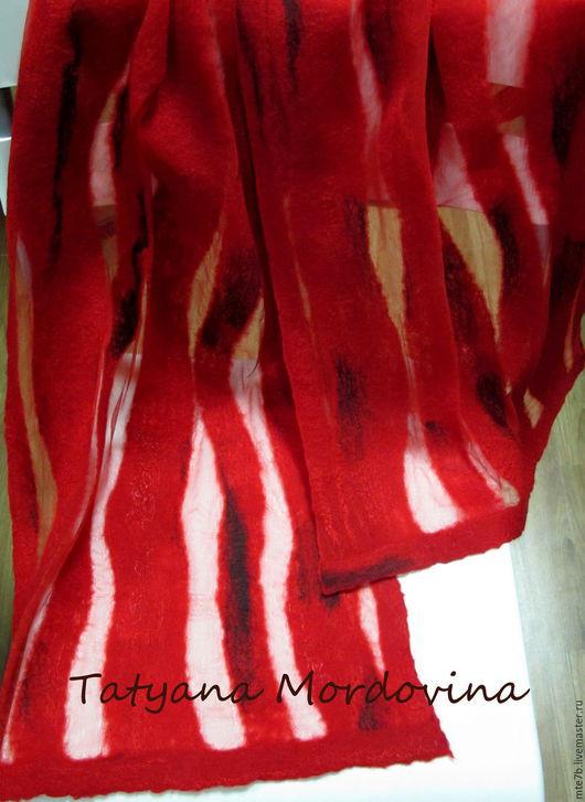 """Шарфы и шарфики ручной работы. Ярмарка Мастеров - ручная работа. Купить Шарф валяный """"Поцелуйчик"""". Handmade. Ярко-красный, вискоза"""