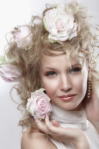Цветы в прическу купить в москве купить тюльпаны в корзинке