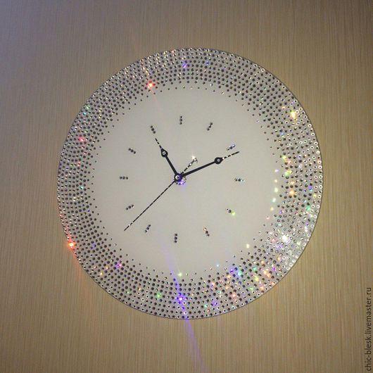 """Часы для дома ручной работы. Ярмарка Мастеров - ручная работа. Купить Часы """"Ожернелие Swarovski"""". Handmade. Чёрно-белый"""