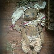 """Куклы и игрушки ручной работы. Ярмарка Мастеров - ручная работа """"Не стать мне белым кроликом..."""" мишка тедди, зайчик-примитив. Handmade."""