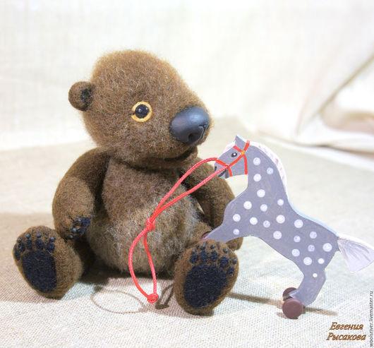 Игрушки животные, ручной работы. Ярмарка Мастеров - ручная работа. Купить Медвежонок Тор с лошадкой. Handmade. Коричневый, малыш