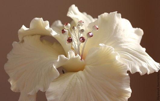 """Заколки ручной работы. Ярмарка Мастеров - ручная работа. Купить Цветок гибискуса """"Особенный день"""" на зажиме. Handmade. Белый"""
