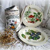 Картины и панно ручной работы. Ярмарка Мастеров - ручная работа пара декоративных тарелок из серии Мой сад вишня,слива. Handmade.