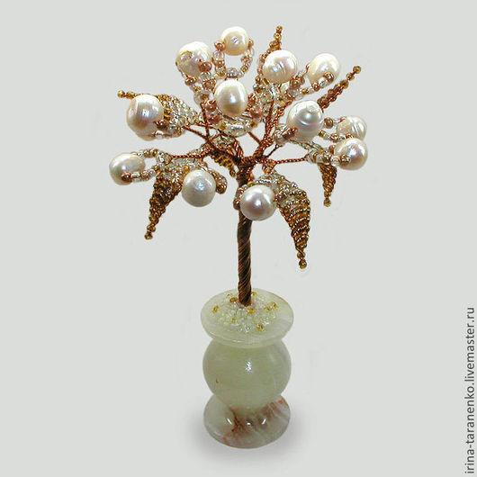 Миниатюрное дерево любви из белого жемчуга в вазочке из оникса