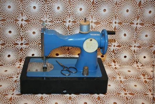 Шитье ручной работы. Ярмарка Мастеров - ручная работа. Купить Швейная машинка детская СССР ( исправная можно шить). Handmade.