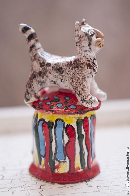 """Колокольчики ручной работы. Ярмарка Мастеров - ручная работа. Купить Колокольчик """"Кот, гуляющий сам по себе"""". Handmade. Авторская керамика"""