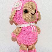 Куклы и игрушки ручной работы. Ярмарка Мастеров - ручная работа Вязаная игрушка овечка розовая. Handmade.
