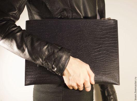 Женские сумки ручной работы. Ярмарка Мастеров - ручная работа. Купить Кожаный клатч ручной работы на молнии из кожи под рептилию. Handmade.