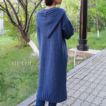 Одежда ручной работы. Ярмарка Мастеров - ручная работа Длинный кардиган вязаный с карманами и капюшоном цвет синий. Handmade.