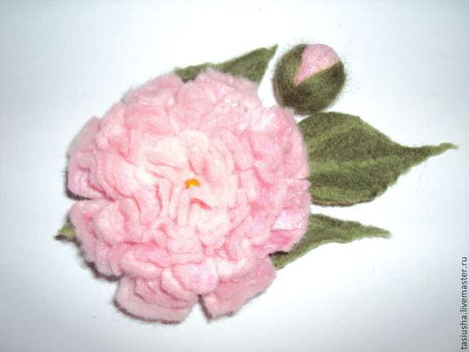 """Броши ручной работы. Ярмарка Мастеров - ручная работа. Купить Брошь валяная """"Розовый пион"""". Handmade. Бледно-розовый"""