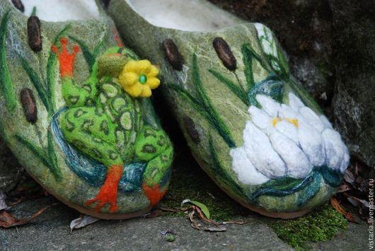 Обувь ручной работы. Ярмарка Мастеров - ручная работа. Купить Тапочки «Царевна лягушка». Handmade. Оливковый