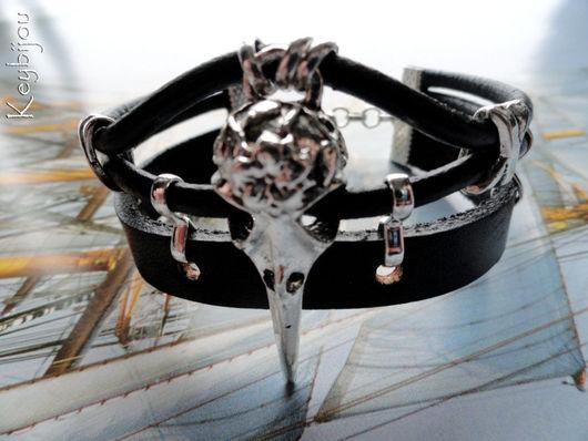 """Браслет из кожаных шнуров """"ВОРОН"""" с металлофурнитурой серебряного цвета. Унисекс. \r\nРучная работа. Keybijou"""