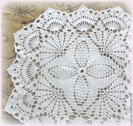 Белая ажурная салфетка для фотосессий мелких предметов, мыла, сувениров