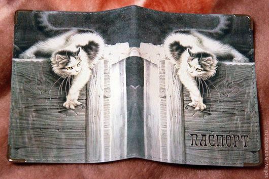 """Обложки ручной работы. Ярмарка Мастеров - ручная работа. Купить обложка """"Кошка царапка"""". Handmade. Кошка, кожаная обложка"""