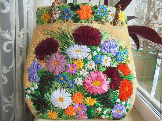 Женские сумки ручной работы. Ярмарка Мастеров - ручная работа. Купить Хризантемы. Handmade. Бежевый, вышитая сумка, атласная лента