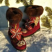 Обувь ручной работы handmade. Livemaster - original item Ugg boots short boots with embroidery with rhinestones. Handmade.