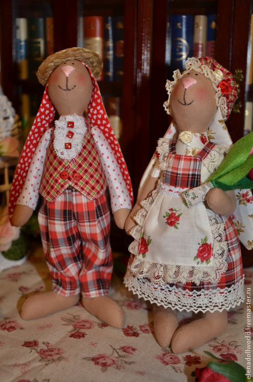 Куклы Тильды ручной работы. Ярмарка Мастеров - ручная работа. Купить Зайцы,,Клетчатая парочка,,. Handmade. Ярко-красный