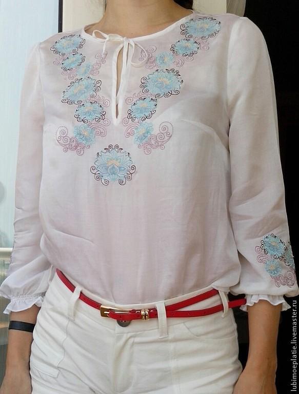 Белая блузка с вышивкой покрасилась