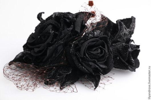 Броши ручной работы. Ярмарка Мастеров - ручная работа. Купить Бархатные черные  розы.  Черные розы из бархата.. Handmade.