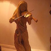 Статуэтки ручной работы. Ярмарка Мастеров - ручная работа Скрипачка- резьба по дереву. Handmade.
