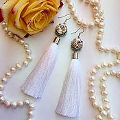 Украшения ручной работы. Ярмарка Мастеров - ручная работа Белые серьги кисточки с кристаллами. Handmade.