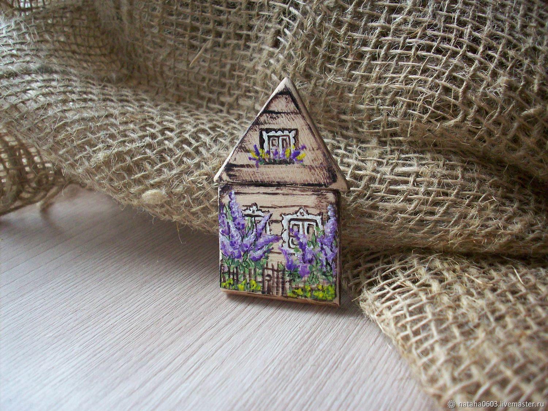 Броши ручной работы. Ярмарка Мастеров - ручная работа. Купить Домик окнами в сад.Брошь из дерева с росписью. Handmade.