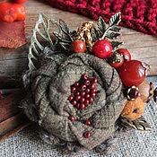 Украшения ручной работы. Ярмарка Мастеров - ручная работа Осенняя брошь с ягодами Угощаю рябиной,  брошь с камнями. Handmade.