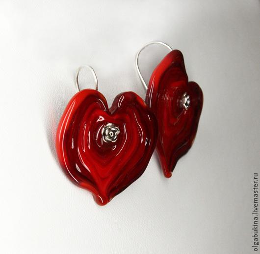 Серьги ручной работы. Ярмарка Мастеров - ручная работа. Купить Серьги красные сердца Валентинки. Серебро 925, лэмпворк lampwork алый. Handmade.