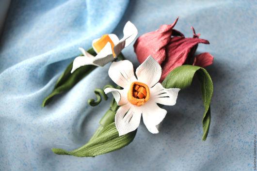 Броши ручной работы. Ярмарка Мастеров - ручная работа. Купить Цветы из кожи. Брошь из кожи Букет с  Нарциссами. Handmade.