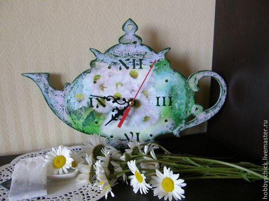 Часы Время пить травяной чай. А чтобы доставить Вам истинное удовольствие от чаепития, я создаю для Вас с особой любовью своими руками травяные чайники-часики! Эти часики будут не спеша отсчитывать время, а вы будете наслаждаться ароматной чашечкой чая вместе со своими близкими!!!