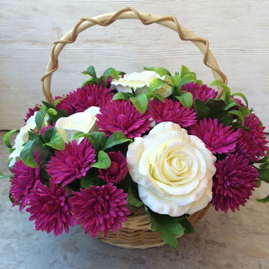 Интерьерные композиции ручной работы. Ярмарка Мастеров - ручная работа. Купить Корзинка с розами и хризантемами. Handmade. Букет, корзина в подарок