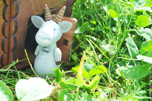 """Сказочные персонажи ручной работы. Ярмарка Мастеров - ручная работа. Купить Деревянные игрушки -магниты Коза из серии """" Маша мишка и компания"""". Handmade."""