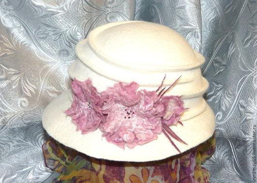 """Шляпы ручной работы. Ярмарка Мастеров - ручная работа. Купить Шляпка """"Сакура"""". Handmade. Белый, головной убор, цветок валяный"""