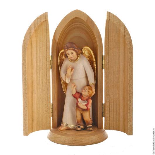 Миниатюра в нише `Ангел - хранитель с мальчиком`