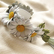 Украшения handmade. Livemaster - original item The band is rigid: The colors of the skin.Women`s leather bracelet WHITE DAISIES. Handmade.