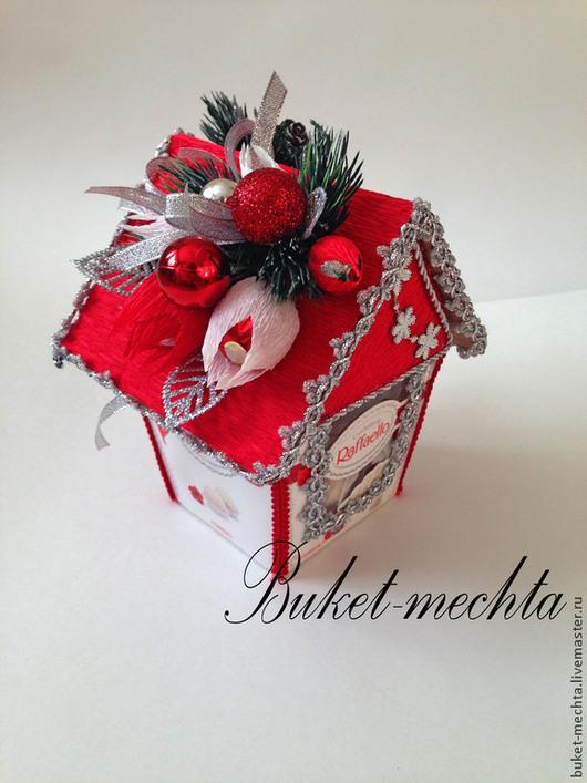 """Букеты ручной работы. Ярмарка Мастеров - ручная работа. Купить Новогодний домик """"Рафаелло"""". Handmade. Ярко-красный, новогодний домик"""