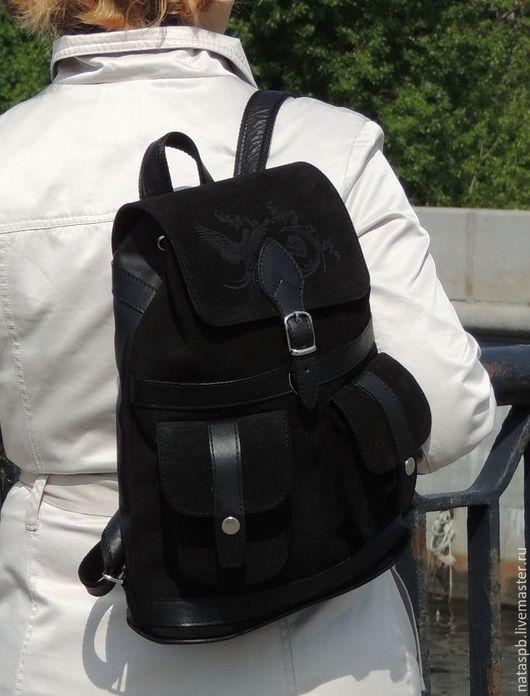 Рюкзак «Парижанка» это изысканный и в тоже время практичный, функциональный аксессуар, учитывающий все особенности рюкзака для города.