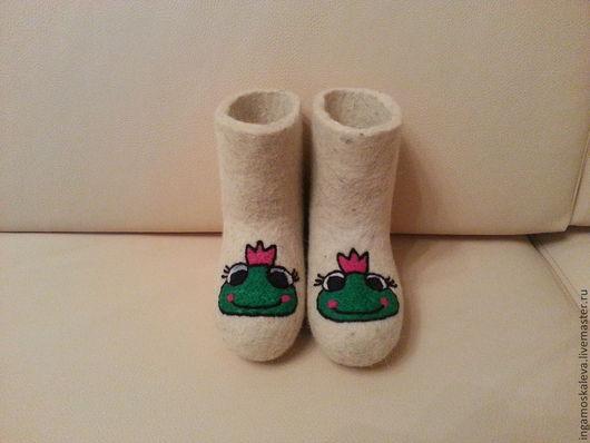 Обувь ручной работы. Ярмарка Мастеров - ручная работа. Купить Детские валенки. Handmade. Валенки для улицы, валенки с вышивкой