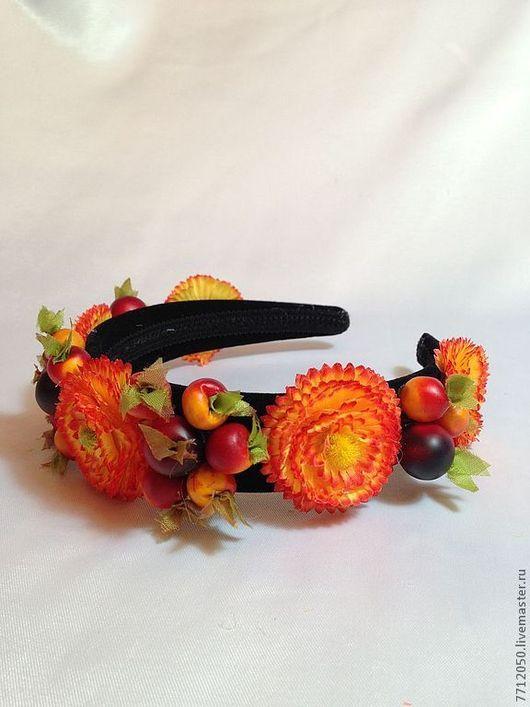 Ободок для волос `Оранжевые Маргаритки` цветы из ткани яркий ободок обруч для волос обруч с цветами искусственные цветы оранжевый рыжий