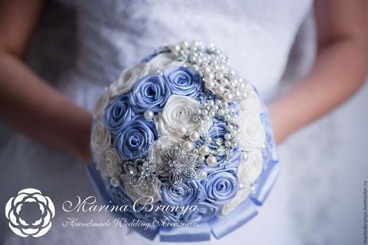 Свадебные цветы ручной работы. Ярмарка Мастеров - ручная работа. Купить Брошь-букет невесты ГОЛУБОЙ+АЙВОРИ. Handmade. Голубой