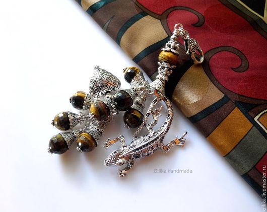 Брелок для ключей, Украшение на сумку Саламандра Тигровый Глаз, под Серебро брелок для сумки, оригинальный подарок, брелок на джинсы, купить подарок девушке, купить стильный брелок, купить модный аксессуар, брелок для ключей, недорогой подарок, стильный брелок, необычный брелок, брелок на сумку, украшение на сумку, подарок на любой случай, подарок недорого, брелок для машины, брелок на авто, брелок на ключи, брелок с подвесками, серебряный брелок фото, брелок с ящерицей, ollika Ольга Дмитриева, Ярмарка Мастеров, Авторская бижутерия