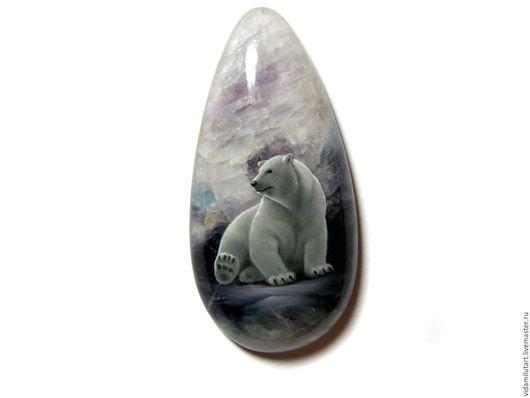 Роспись по камню ручной работы. Ярмарка Мастеров - ручная работа. Купить Белый медведь на флюорите. Handmade. Комбинированный, медведь