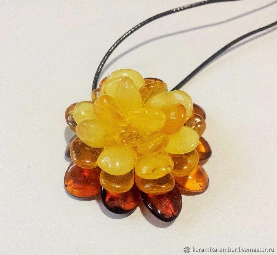 Amber flower pendant brooch for girl woman gift Yellow cognac, Pendant, Kaliningrad,  Фото №1