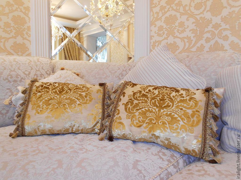 Декоративные подушки в интерьере классика