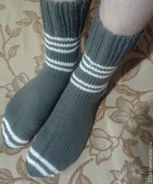 Носки, чулки ручной работы. Ярмарка мастеров-ручная работа. Купить Носки `Серые` с белыми полосками. подарок мужчине. Handmade.