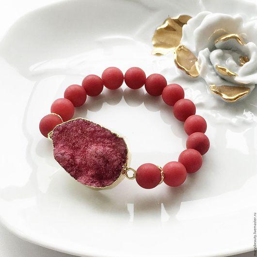 """Браслеты ручной работы. Ярмарка Мастеров - ручная работа. Купить """"Red"""" браслет. Handmade. Ярко-красный, друза, женственность"""