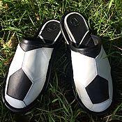 """Обувь ручной работы. Ярмарка Мастеров - ручная работа Кожаные тапочки """" Футбольный мяч"""". Handmade."""