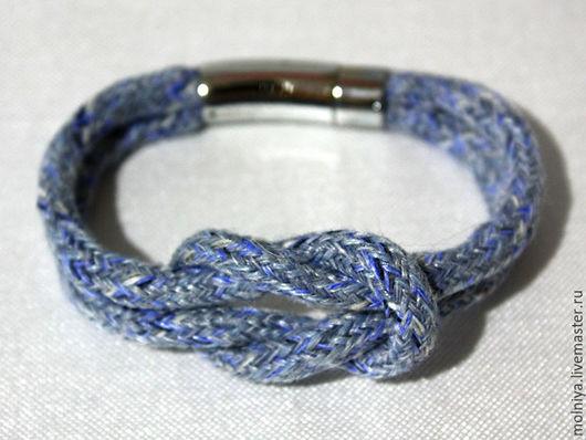 Синий браслет с узлом. Морской стиль.