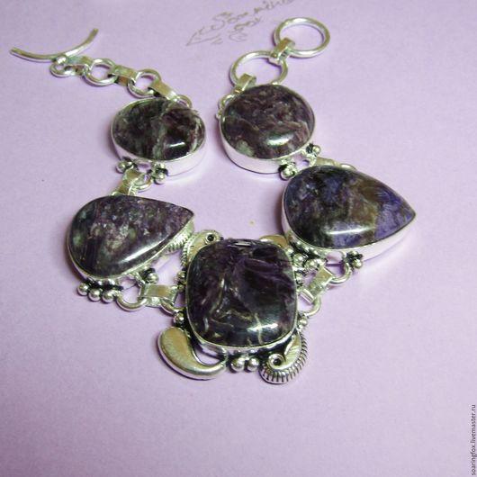 чароит, браслет с чароитом, чароит натуральный, украшение с чароитом, чароит темный, чароит купить, украшение на руку, браслет с камнями, чароит природный, природные камни, чароит Россия