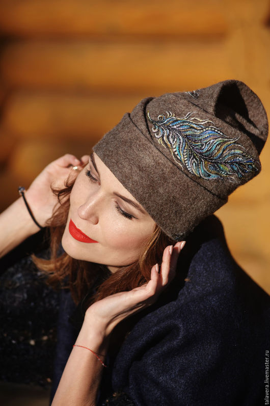 """Шляпы ручной работы. Ярмарка Мастеров - ручная работа. Купить шляпа """"Перо феникса"""". Handmade. Коричневый, валяная шляпа, зеленый"""